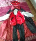 Ofrezco Disfraz Vampiro (Préstamo)