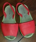 Ofrezco Menorquinas rojas talla 26 (Gratis)
