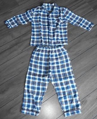1563206421 Clasificados Ropa - Ofrezco Pijama niño de franela talla 4-5 años ...